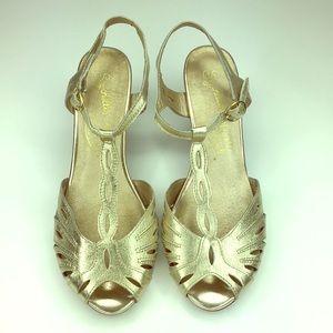 Seychelles   Champagne Gold T Strap Peep Toe Heel